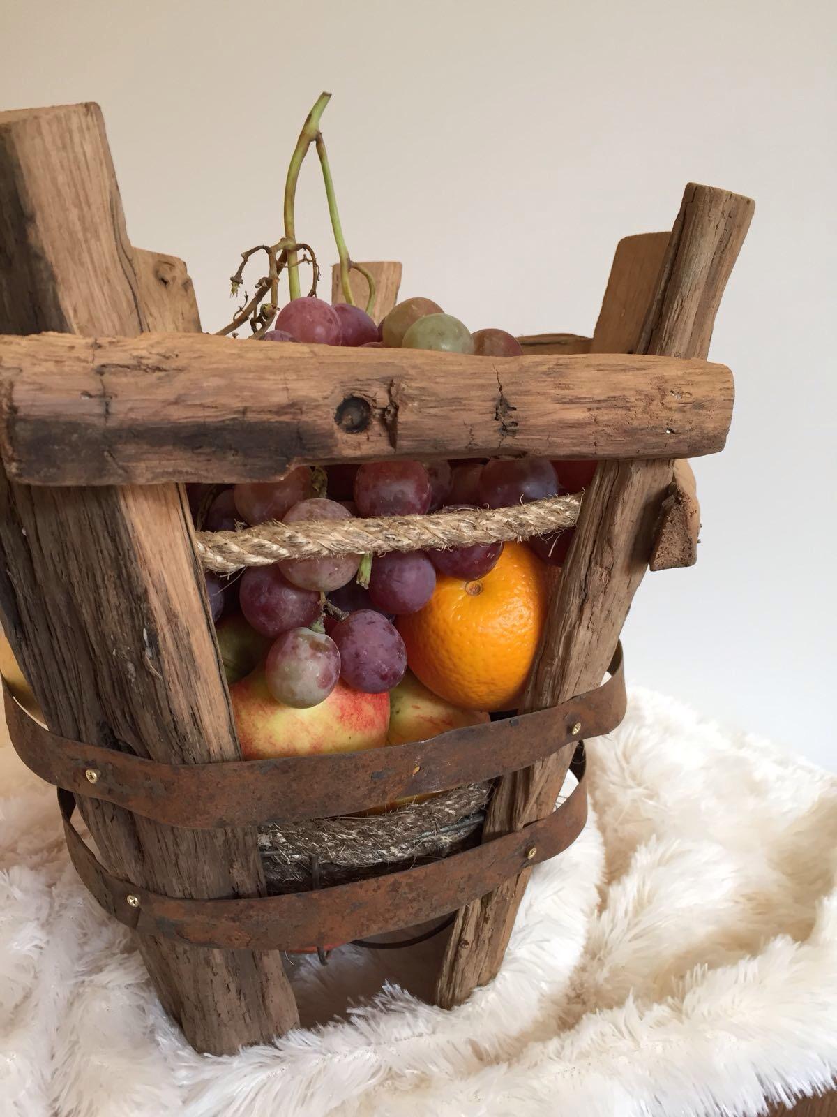 oud eiken fruitschaal